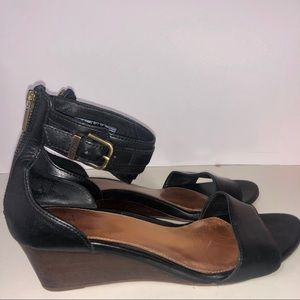 Ugg Open Toe Leather Ankle Strap Sandal Size 9.5